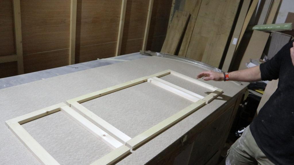 forma de la estructura inicial de la mesa de madera, listones de madera www.rufuster.com