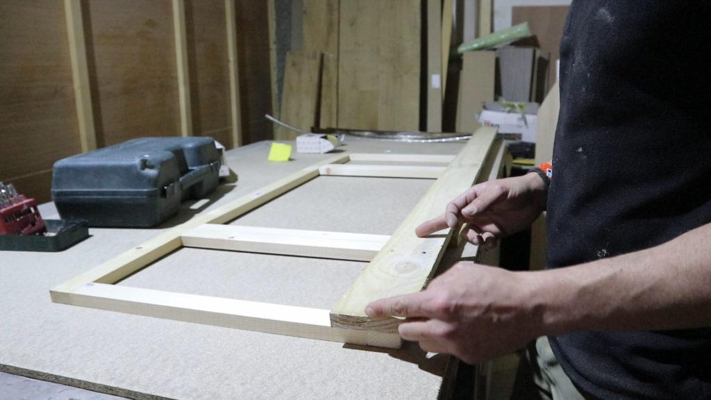 marcamos las medidas de los cortes de la madera de los pallets